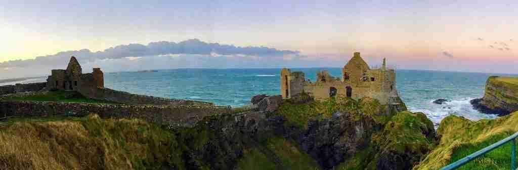 castillo de Dunluce al atardecer
