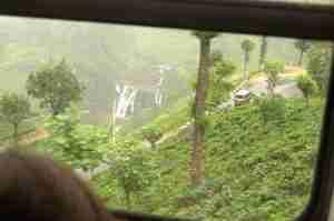 vista desde el tren de camino a Nuwara-Eliya