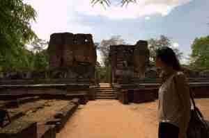 Contemplando las ruinas del palacio real