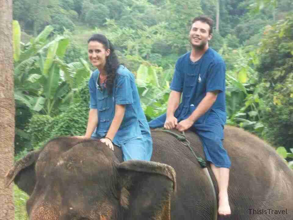 sobre los lomos de nuestro elefante