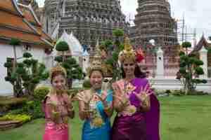 vestidas a la tailadesa