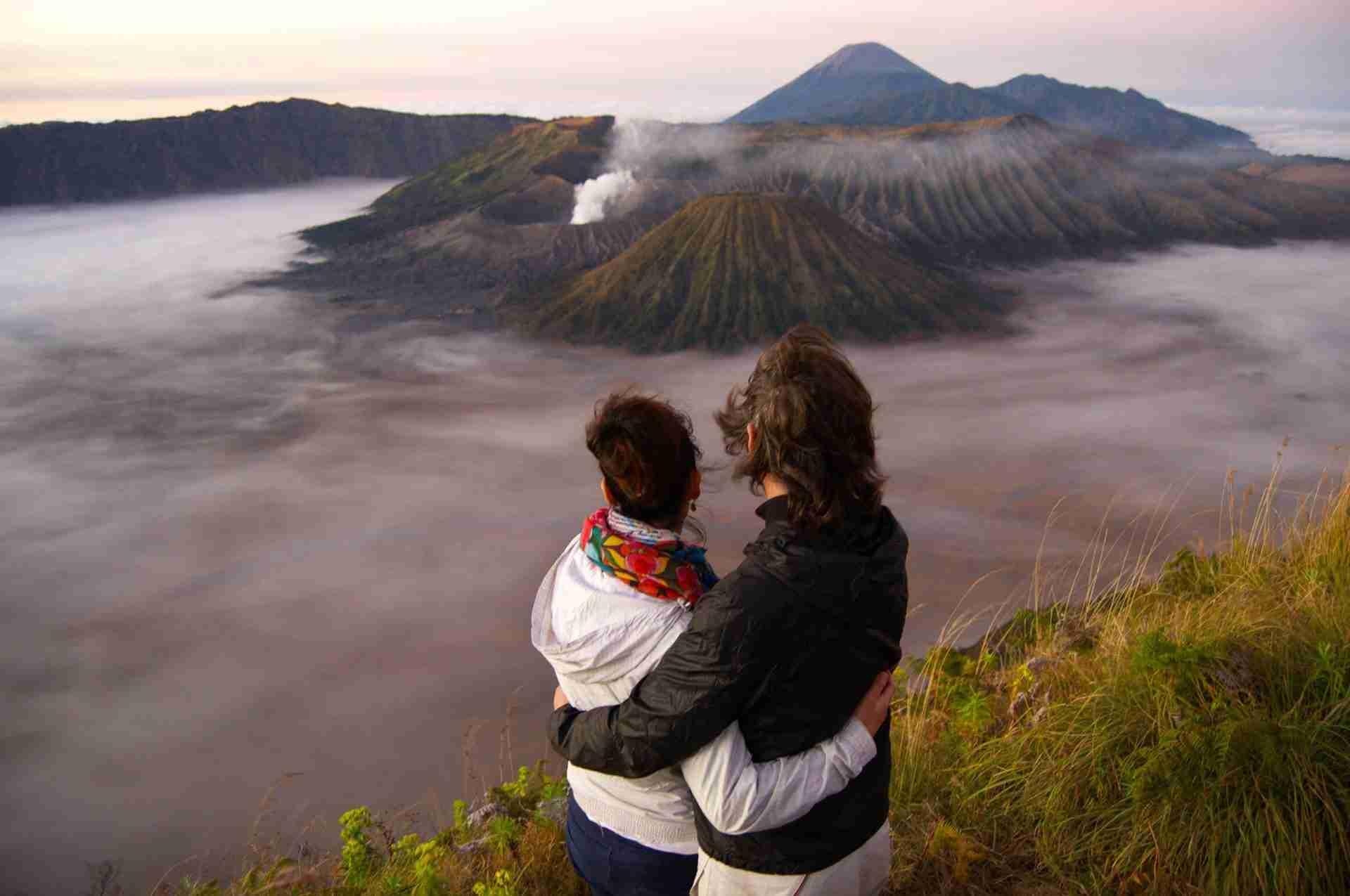vista al amanecer del Bromo, Java, Indonesia