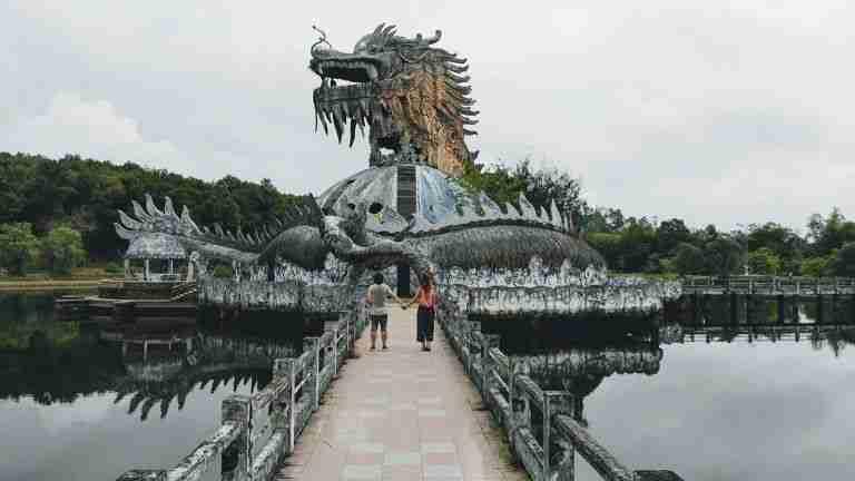 Parque acuatico abandonado, Hue, Vietnam