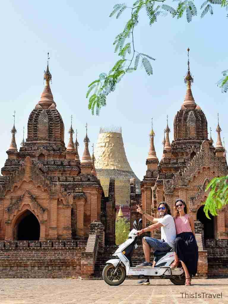 templos de bagan moto